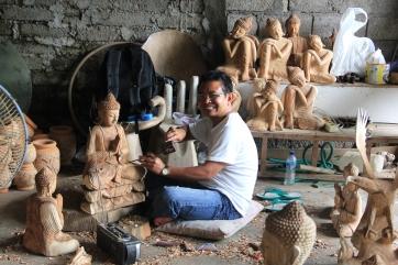Un sculpteur Balinais