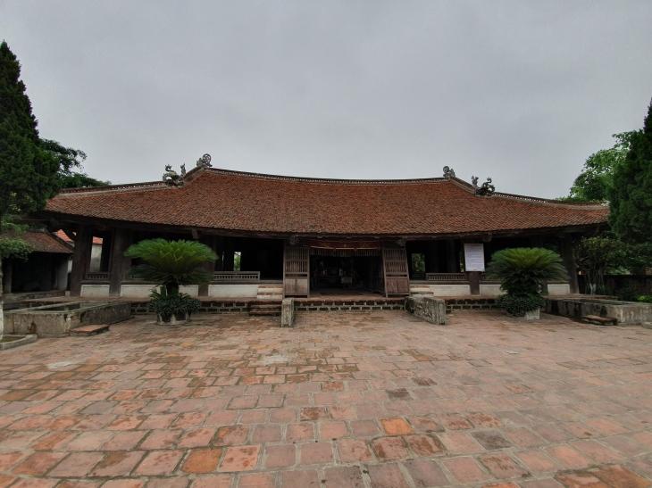 Maison Communale de Mong Phu à Duong Lam